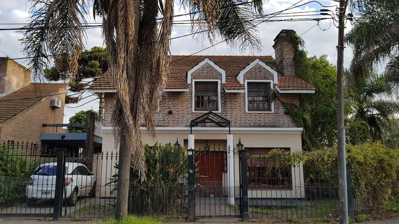 Foto Casa en Venta en  Ituzaingó Norte,  Ituzaingó  Catalina Badaracco 96 esquina Paysandú