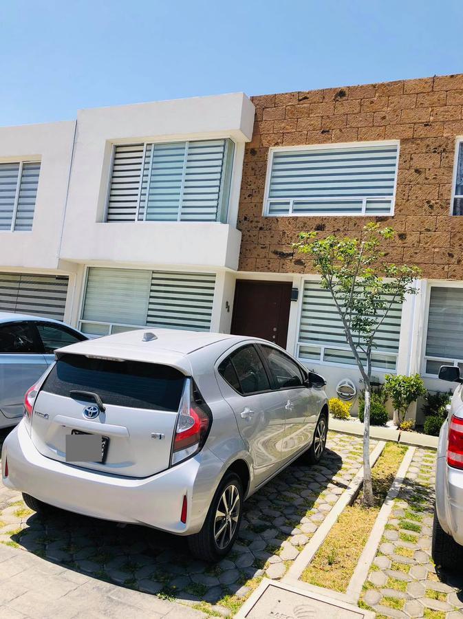 Foto Casa en condominio en Renta en  San Andrés Ocotlán,  Calimaya  CASA EN RENTA EN BOSQUES DE LAS FUENTES CALIMAYA