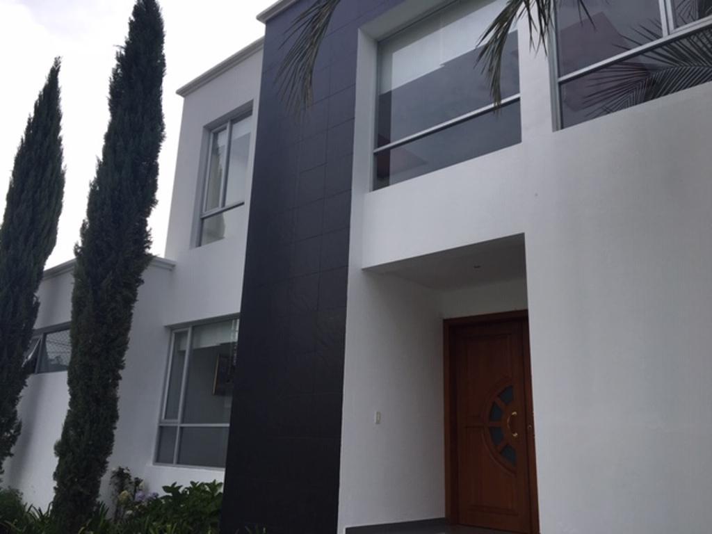 Foto Departamento en Alquiler en  Cumbayá,  Quito  Cerca de USFQ, precioso departamento, 3 dormitorios, 3.5 baños