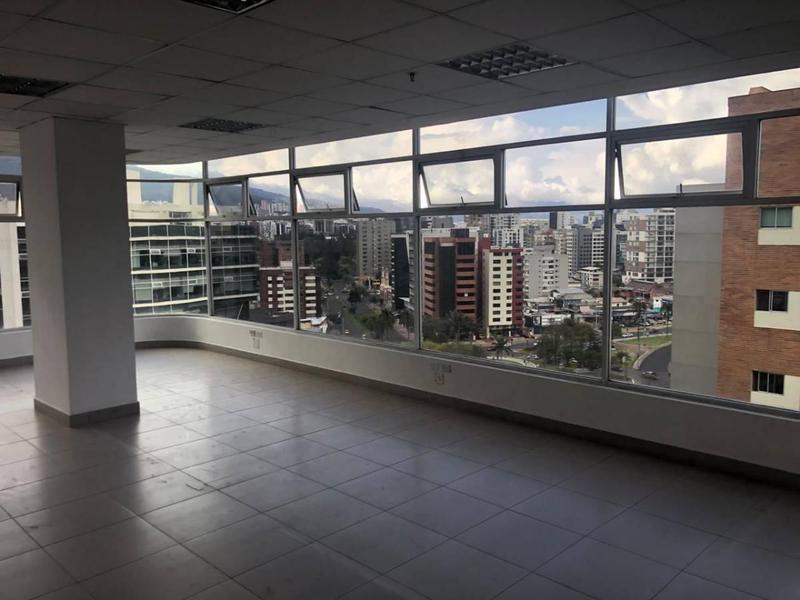 Foto Oficina en Alquiler en  La Carolina,  Quito  Plaza Argentina