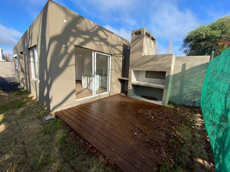 Foto Casa en Venta en  Lagomar ,  Canelones  Lagomar Sur, UN DORMITORIO, CON RENTA