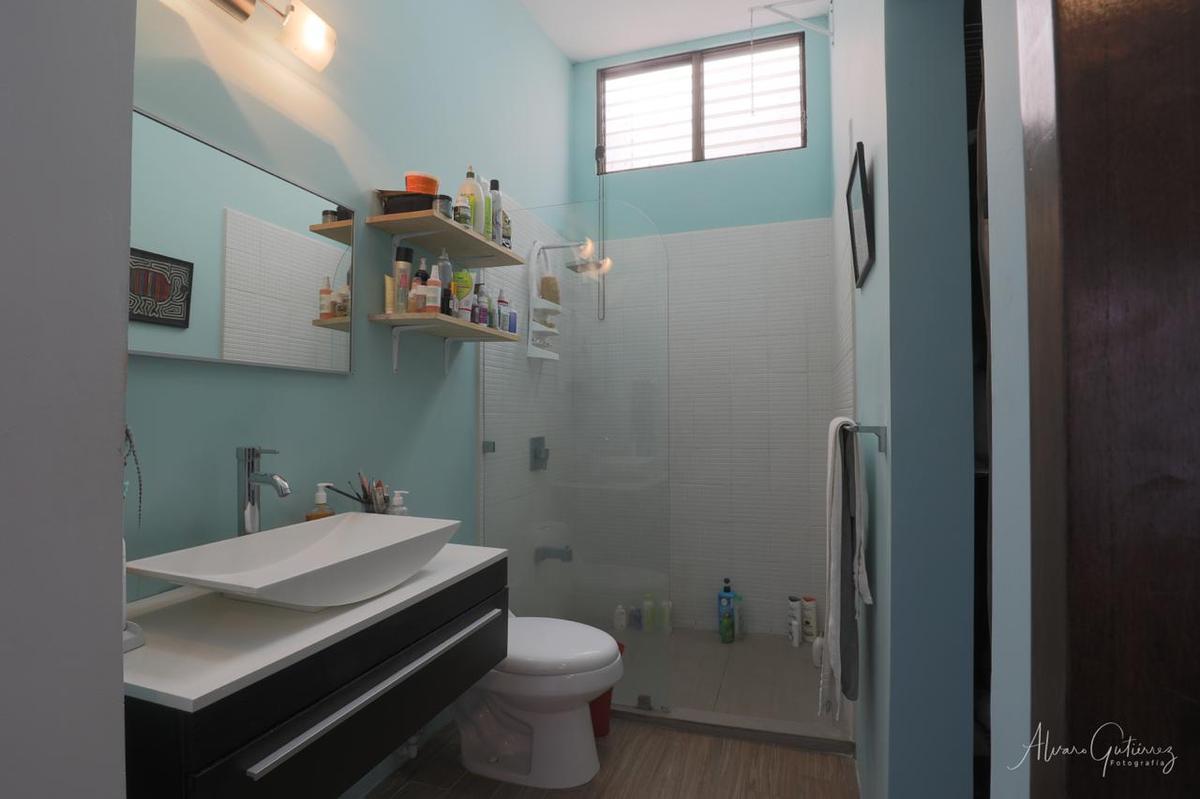 Foto Casa en Venta en  Escazu ,  San José  Casa en Bellohorizonte / Residencial privado