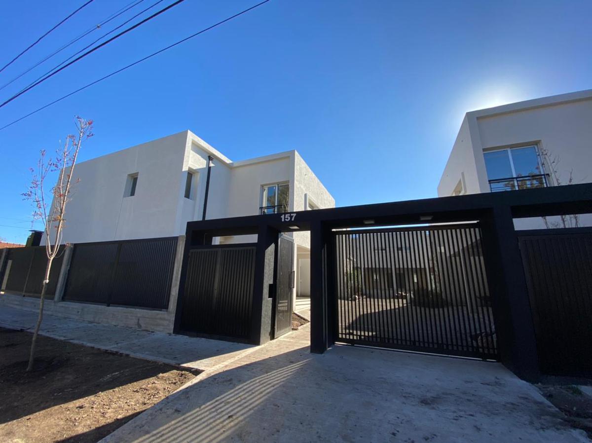 Foto Casa en Venta en  Ituzaingó Norte,  Ituzaingó  Alberti al 100 UF 3