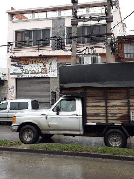 Foto Local en Alquiler en  Rafael Castillo,  La Matanza  Carlos Casares al 400
