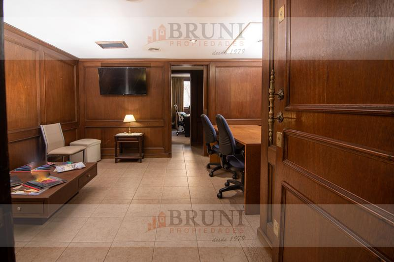 Foto Oficina en Venta en  Monserrat,  Centro (Capital Federal)  Av. De Mayo 800