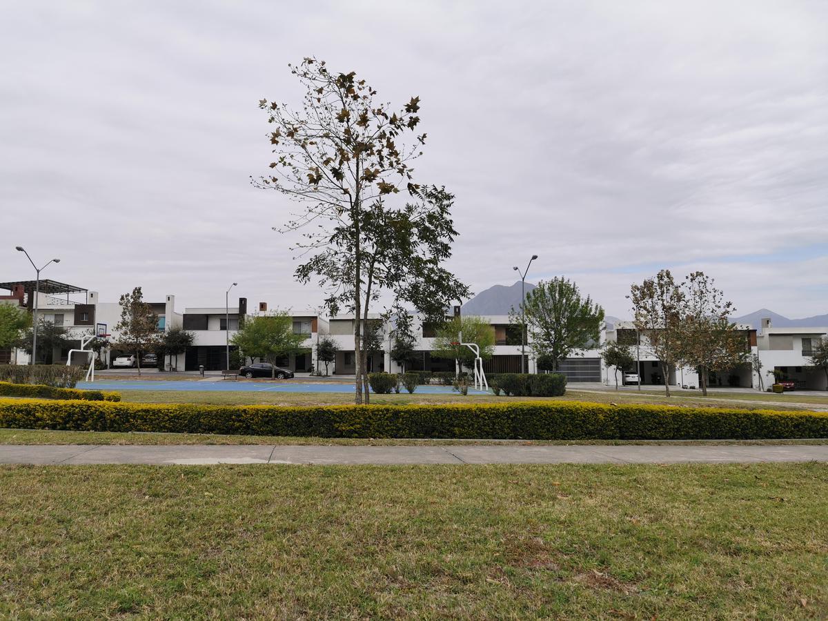 Foto Casa en Venta en  Cumbres San Patricio,  García  Cumbres San Patricio Sector Santa Cecilia