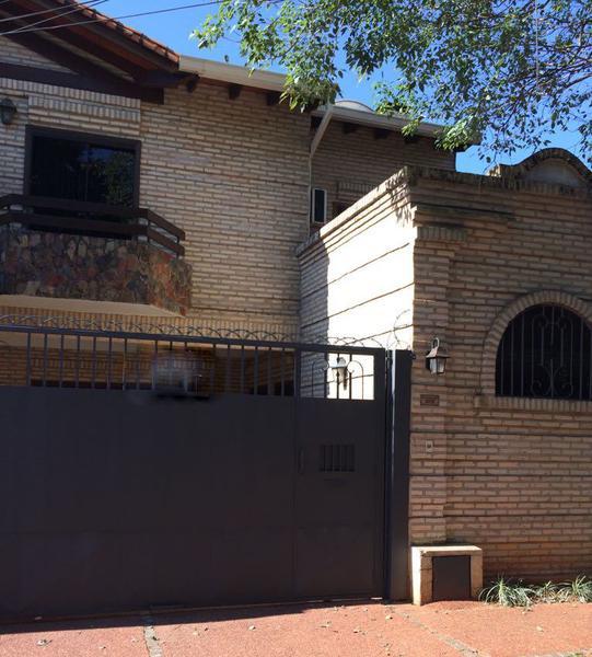 Foto Casa en Alquiler en  Manorá,  Santisima Trinidad  Zona Shopping del Sol