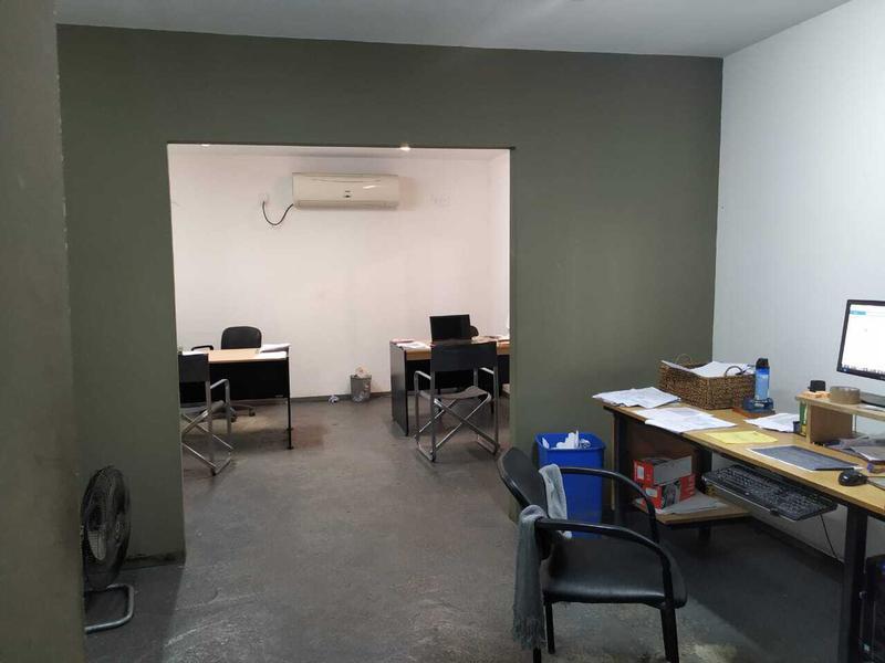 Foto Depósito en Alquiler en  Capital ,  Tucumán          Colon 600