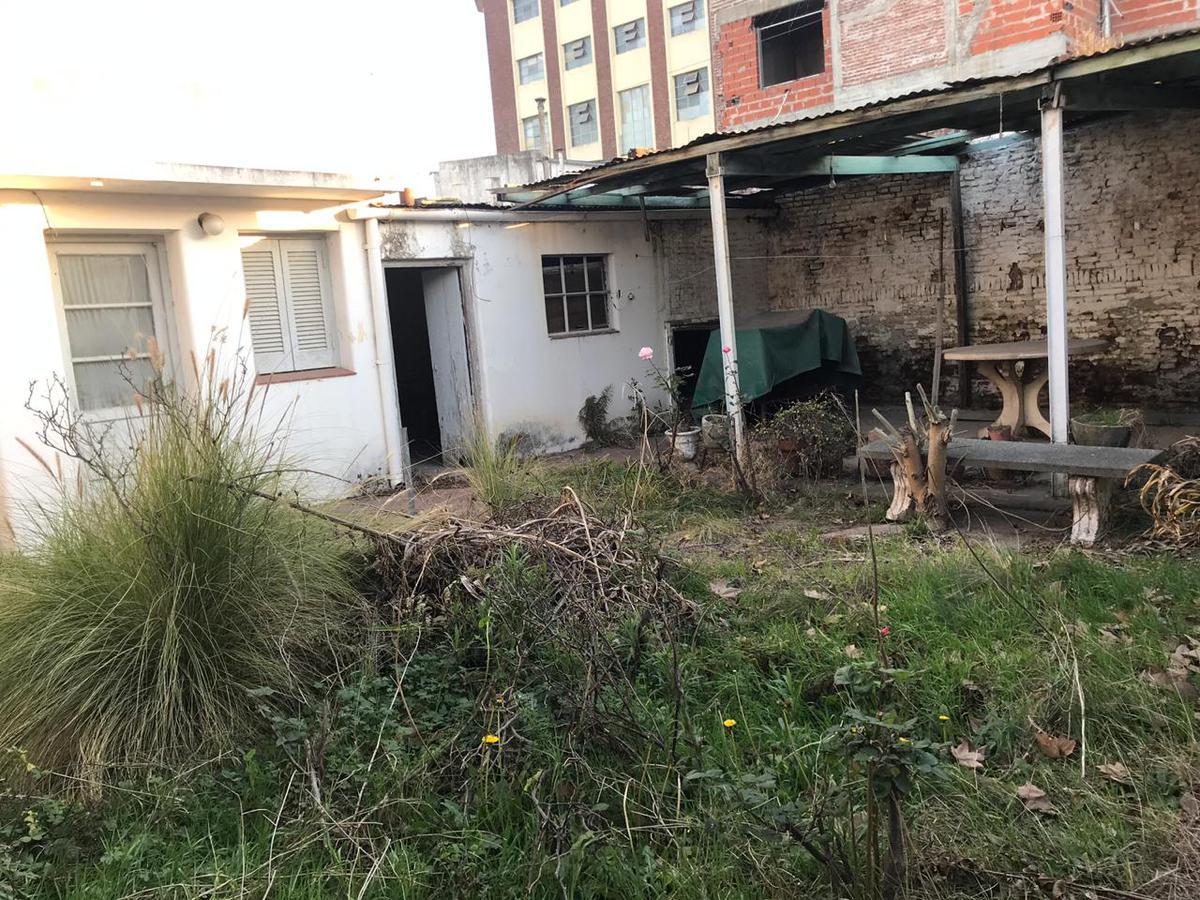 Foto Casa en Venta en  Junin,  Junin  Mayor López 184