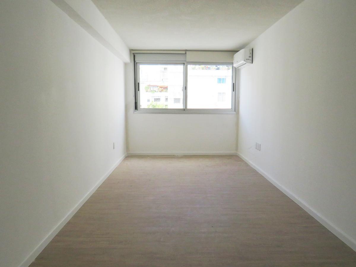 Foto Apartamento en Venta en  Centro (Montevideo),  Montevideo  Rio Negro esquina 18 de Julio