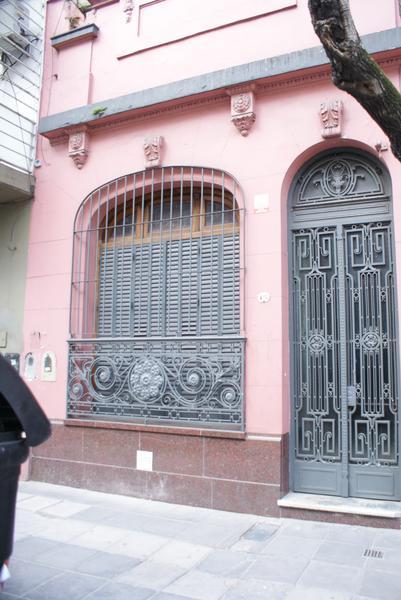 Foto PH en Alquiler en  Balvanera ,  Capital Federal  La Rioja al 400