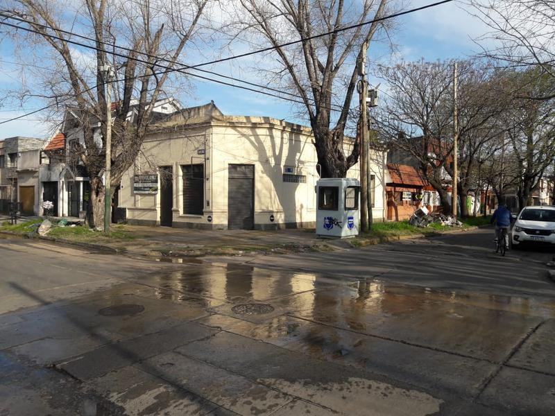 Foto Casa en Venta en  Banfield Oeste,  Banfield  Godoy Cruz 890