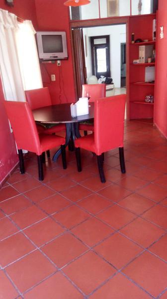 Foto Casa en Venta en  Valentin Alsina,  Lanus  Alfredo Palacios 2200