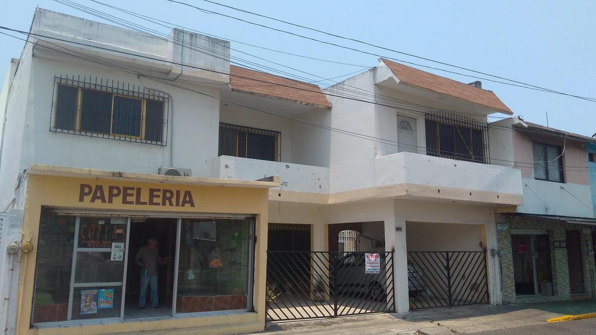 Foto Casa en Venta en  Veracruz ,  Veracruz  Casa en venta ideal para oficina Fraccionamiento Floresta, Veracruz, Ver.