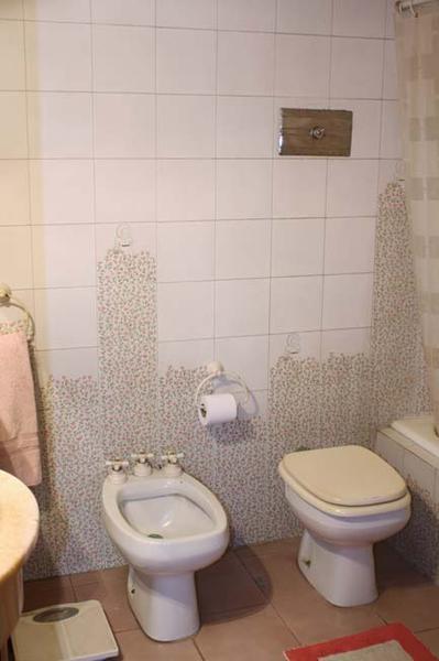 Foto Casa en Venta en  Adrogue,  Almirante Brown  FRÍAS nº 1383, entre Ferrari y Estrada