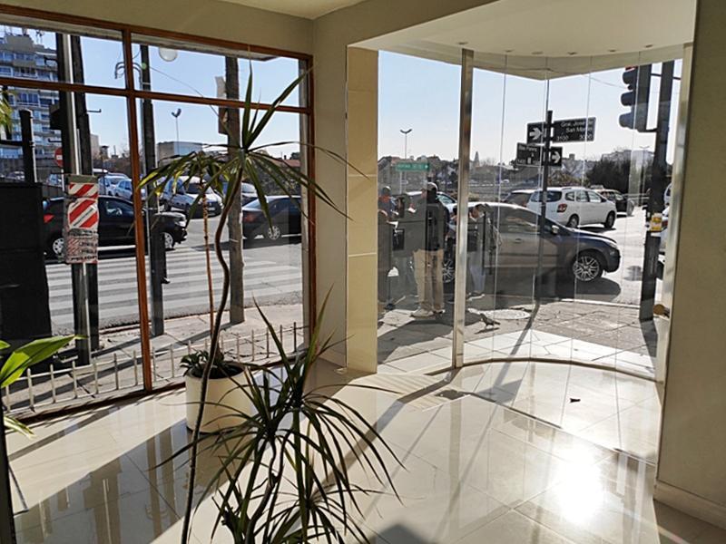Foto Local en Venta en  Florida Mitre/Este,  Florida  San Martín, Av. al 3000