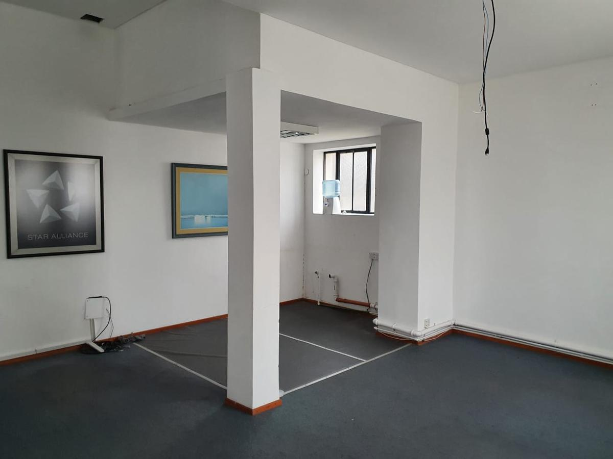 Oficina amplia en alquiler Categoría - Microcentro