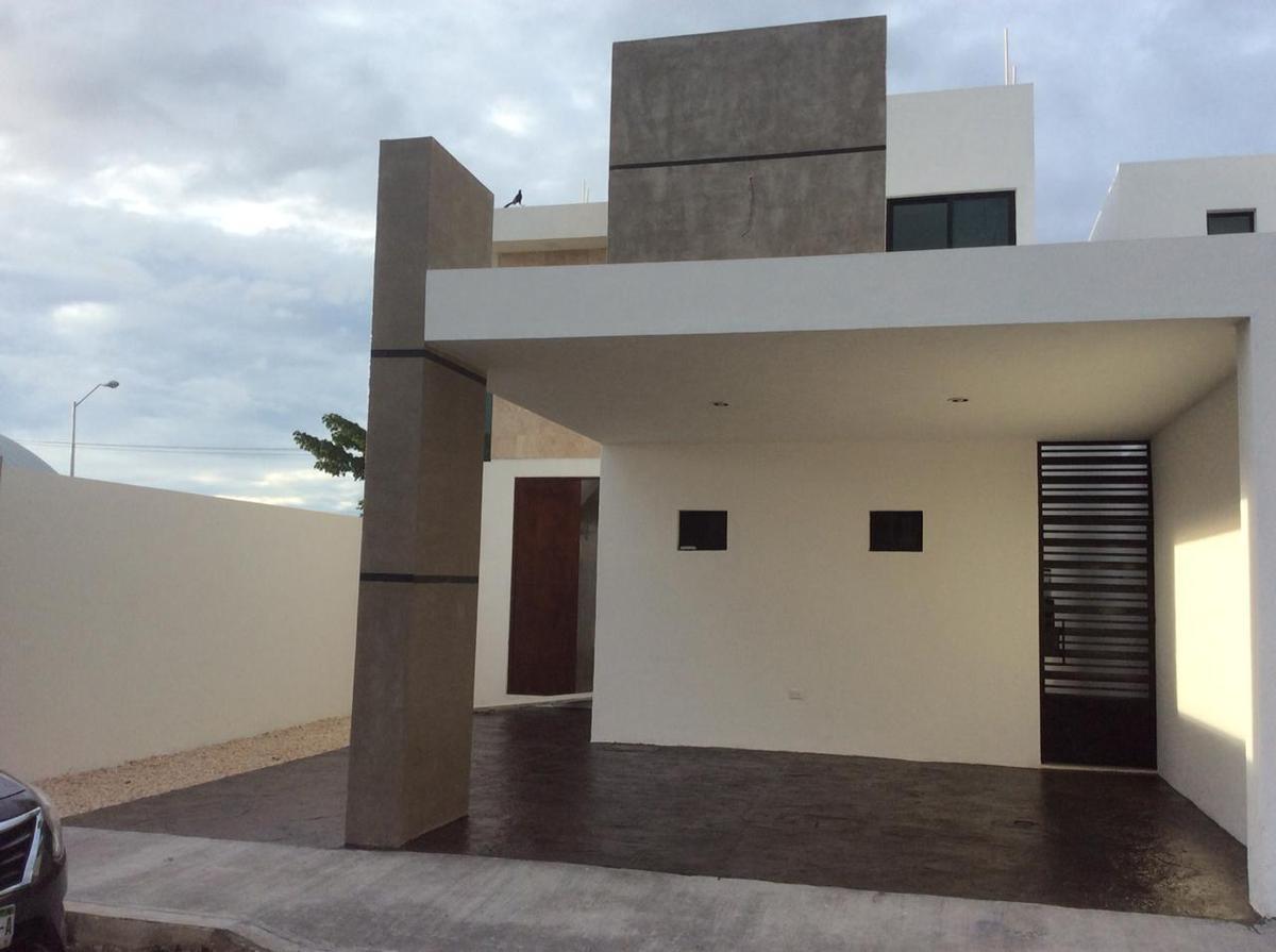 Foto Casa en Renta en  Fraccionamiento Real Montejo,  Mérida  Rento bella casa en el Frac. Real Montejo