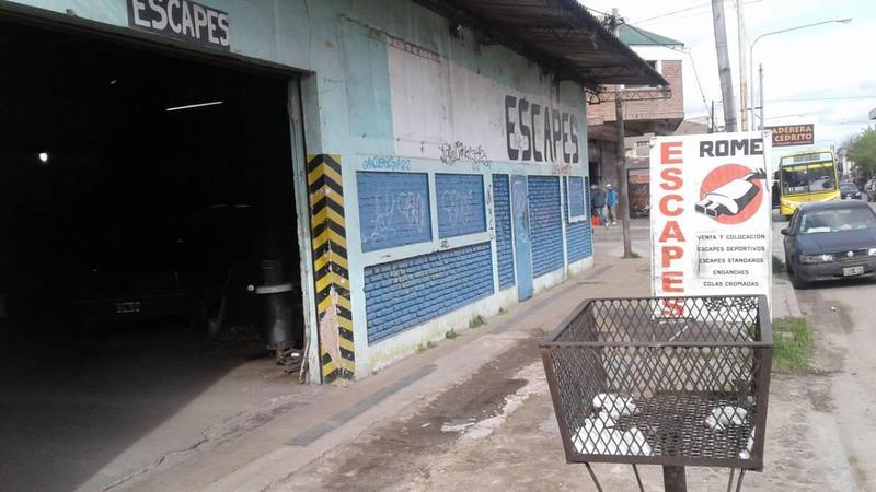 Foto Galpón en Venta en  La Plata ,  G.B.A. Zona Sur  Avda. 122 e/73y74
