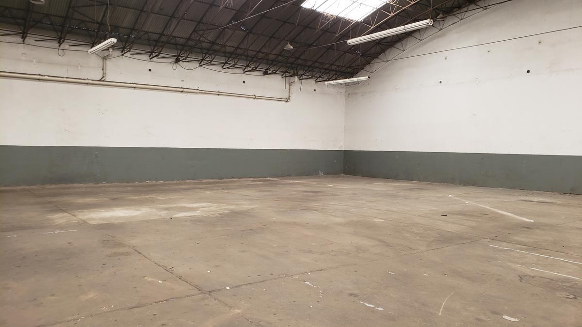 Foto Depósito en Alquiler en  Martinez,  San Isidro  Velez Sarsfield al 2600