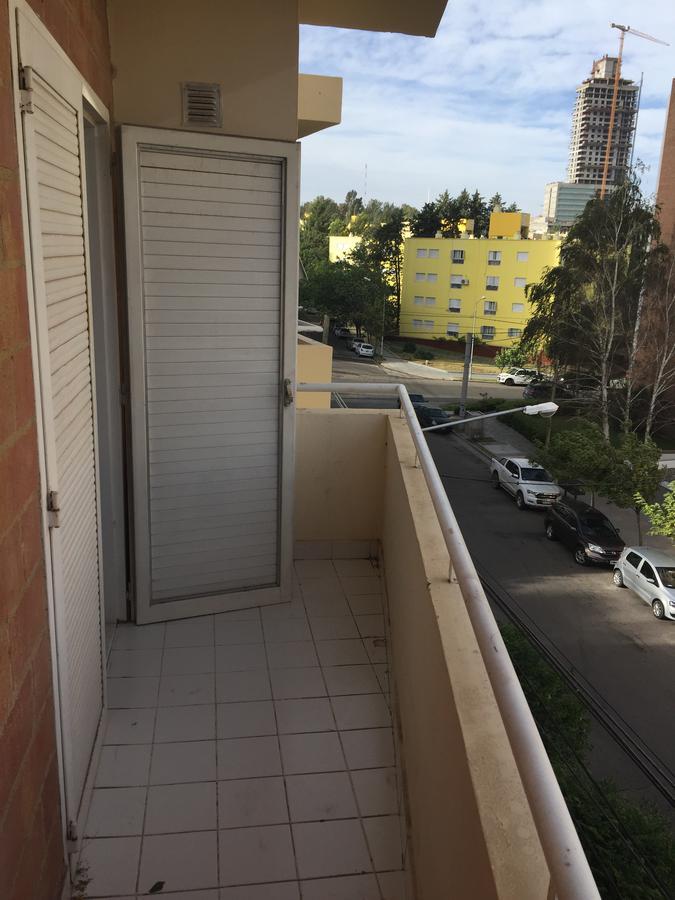 Foto Departamento en Venta | Alquiler en  Capital ,  Neuquen  brown al 800
