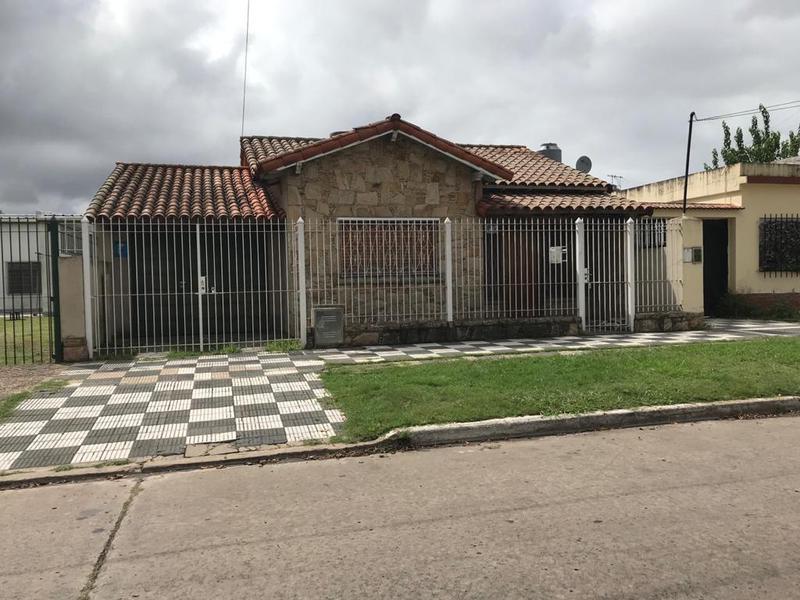 Foto Casa en Venta en  Lomas de Zamora Oeste,  Lomas De Zamora  BOQUERON 1232  e. Rio Turbio y Oliden