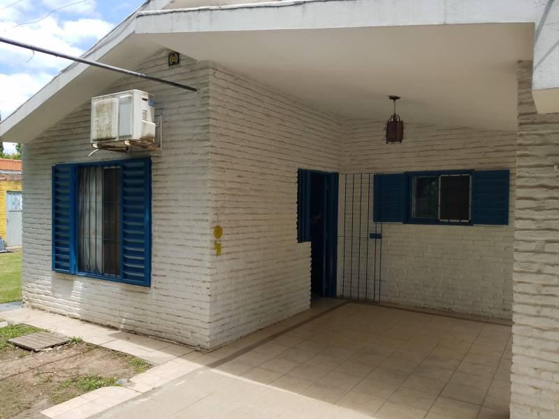 Foto Casa en Alquiler temporario en  Funes ,  Santa Fe  Gral. Guido al 1800