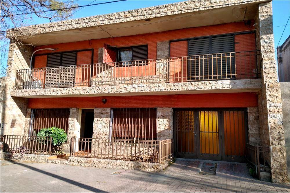 Foto Casa en Venta en  General Bustos,  Cordoba  Jose Eusebio Aguero al 800