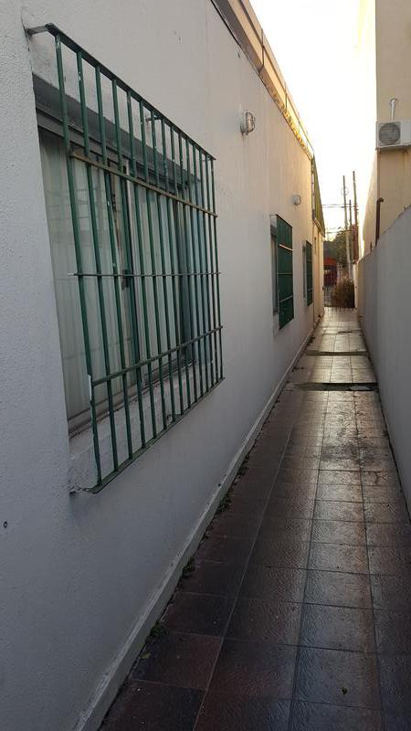 Foto Casa en Venta en  Moron Sur,  Moron  Aberastain al 500