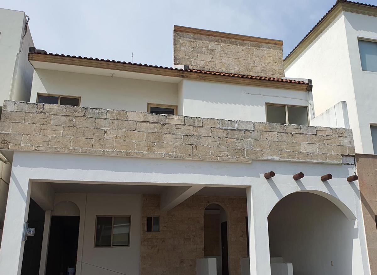Foto Casa en Renta en  Privanzas 5 Sector,  Monterrey  CASA EN RENTA PRIVANZAS 5TO SECTOR ZONA MONTERREY