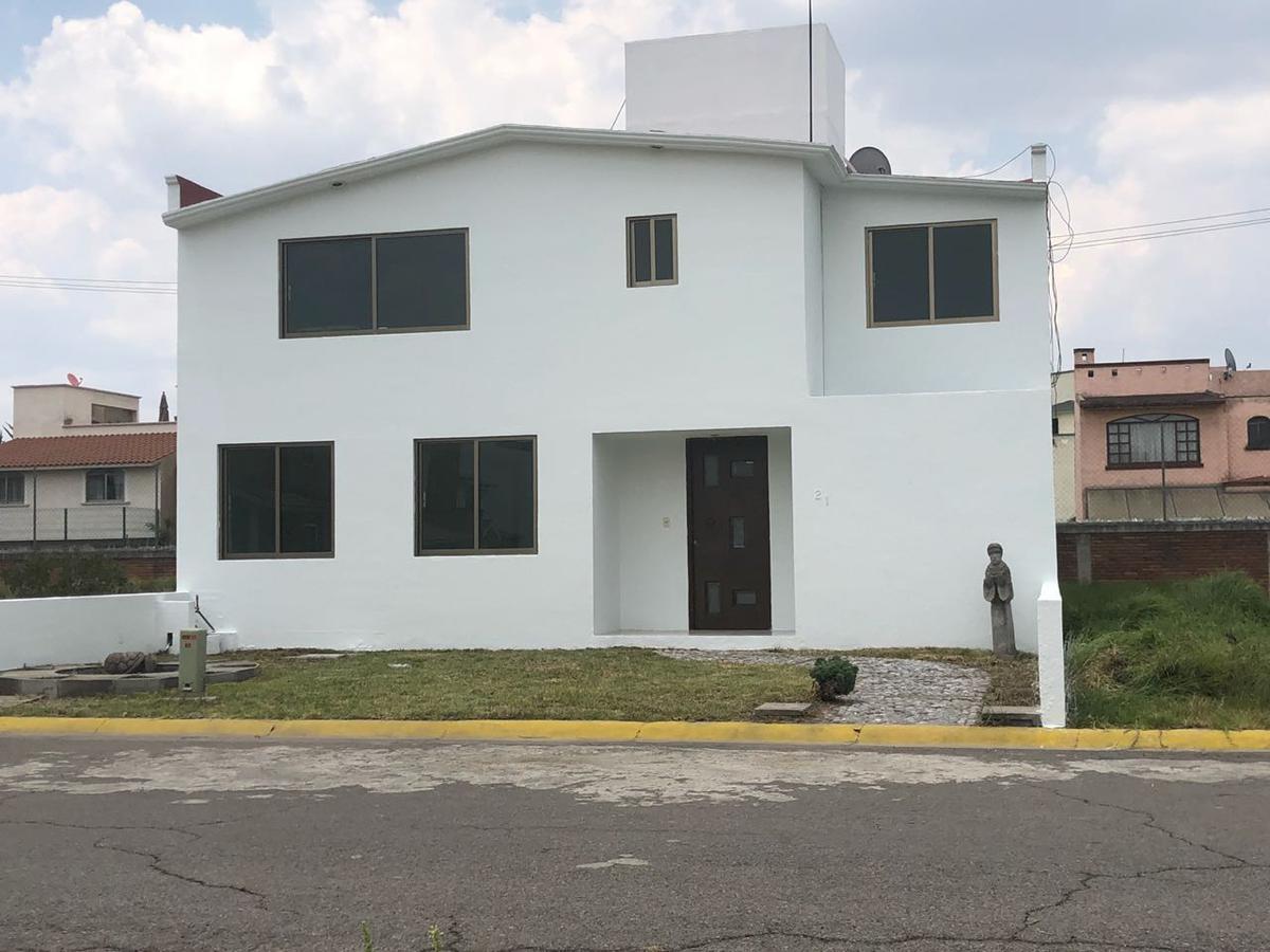 Foto Casa en Venta en  Santa Cruz OtzacatipAn,  Toluca  Casa en Venta Ex Hacienda San Jose, Toluca