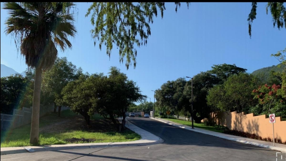 Foto Terreno en Venta en  Monterrey ,  Nuevo León  Terreno en Venta en El Encino, Zona Sur. (MVO)