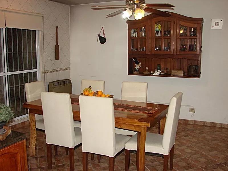 Foto Casa en Venta en  Barrio Parque Leloir,  Ituzaingo  Av. Udaondo al 4200