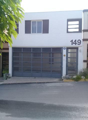 Foto Casa en Venta    en  Cerradas de Cumbres,  Monterrey  Cerradas de Cumbres