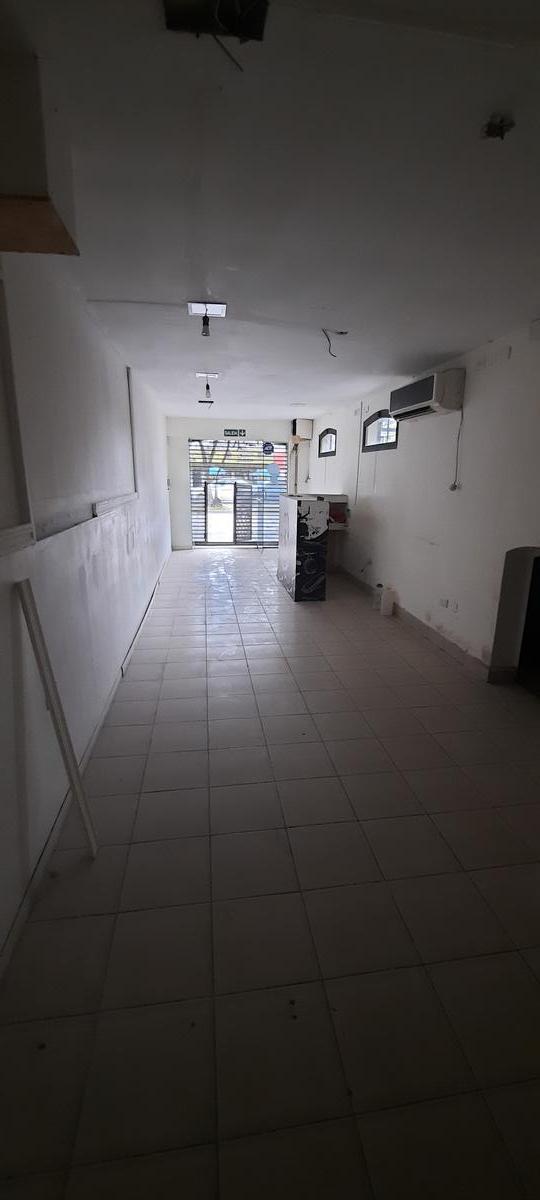 Foto Local en Alquiler en  America,  San Miguel De Tucumán  avenida belgrano al 3600