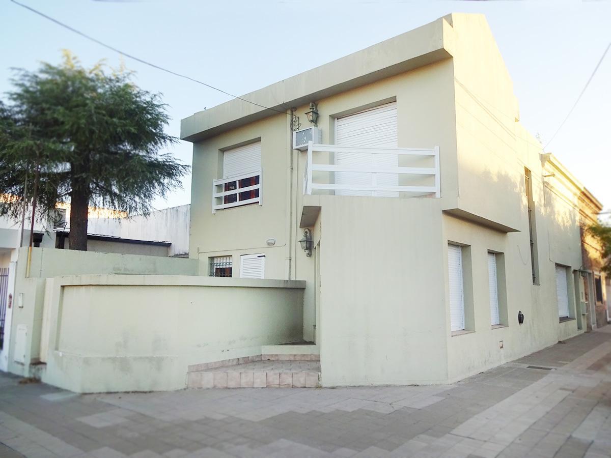 Foto Casa en Alquiler en  Centro,  General Pico  13 esq. 28