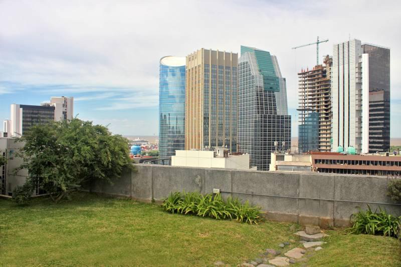 Foto Departamento en Alquiler en  Retiro,  Centro (Capital Federal)  Florida al 1000