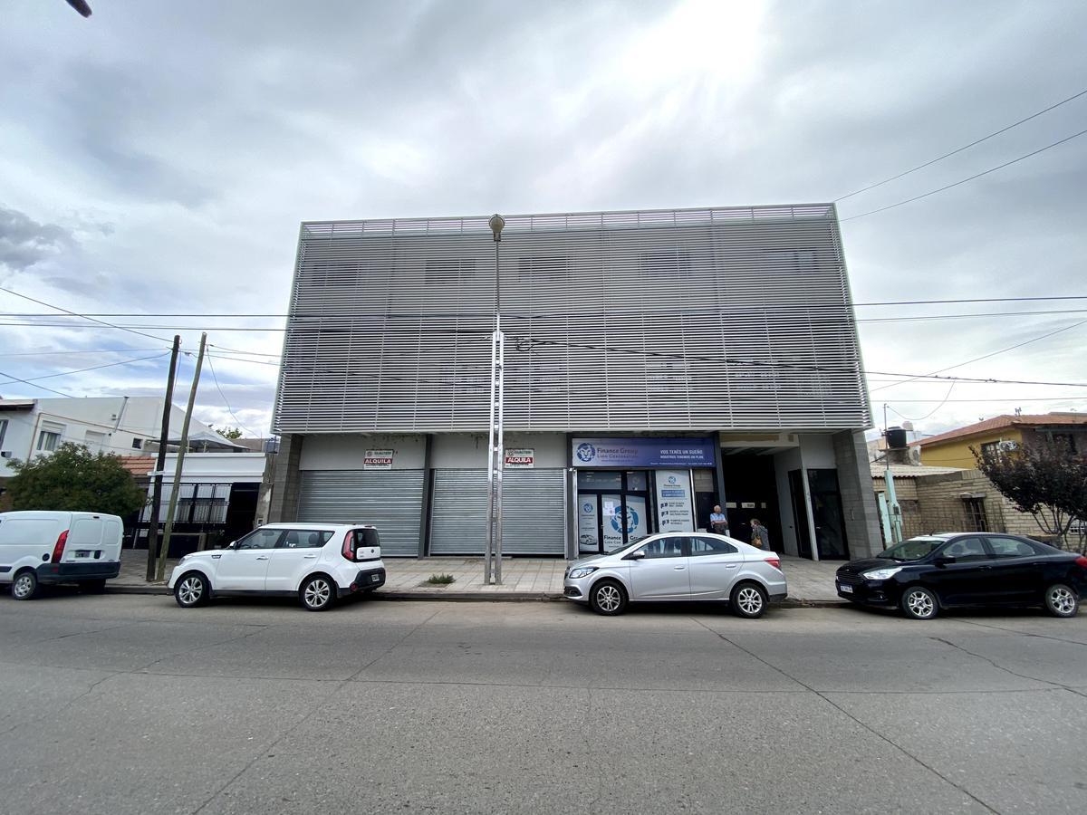 Foto Departamento en Alquiler en  Área Centro Este ,  Capital  Illia 44