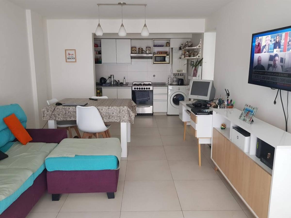 Foto Departamento en Venta en  Lomas de Zamora Oeste,  Lomas De Zamora  COLOMBRES al 700 Piso 1°