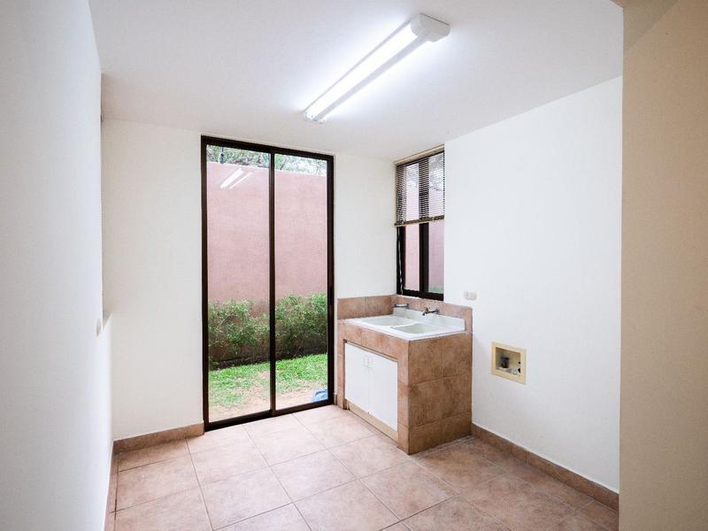 Foto Casa en condominio en Venta | Renta en  Escazu,  Escazu  Escazú / Ideal para embajadores / Exclusivo