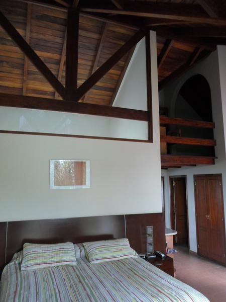 Foto Casa en Venta en  Jockey Club,  Cordoba  Jockey Club