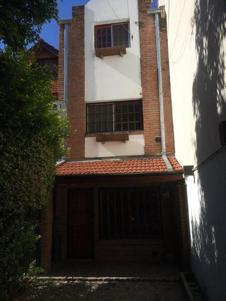 Foto Casa en Venta en  Olivos-Vias/Maipu,  Olivos  Bouchard al 3700