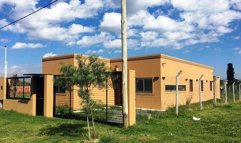 Foto Casa en Venta en  Manuel B Gonnet,  La Plata  488 entre 133 y 134