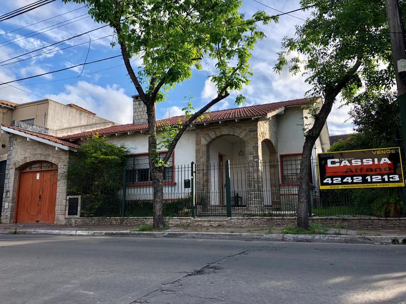 Foto Casa en Venta en  Temperley,  Lomas De Zamora  BRANDSEN 585