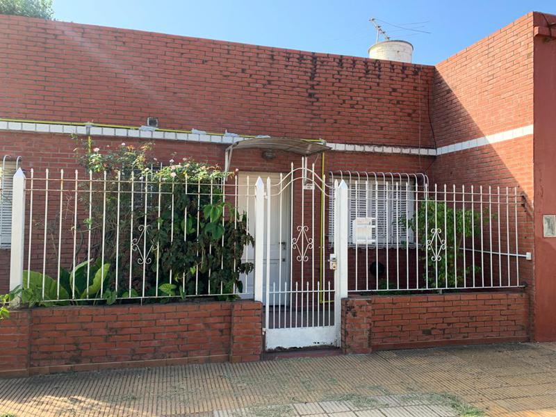 Foto Casa en Alquiler en  Temperley Este,  Temperley  Conscripto Bernardi 10