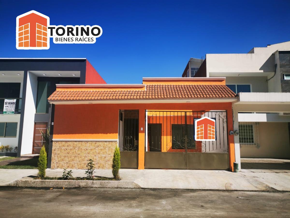 Foto Casa en Venta en  Coatepec ,  Veracruz  BONITA CASA DE UN NIVEL EN FRACCIONAMIENTO LA TRINIDAD