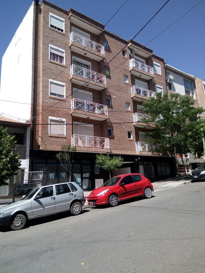 Foto Departamento en Alquiler en  Capital ,  Neuquen  Juan Jose Castelli 256