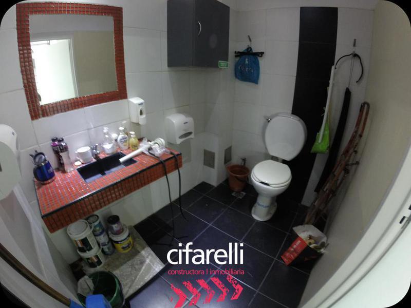 Foto Local en Alquiler en  Villa Luro ,  Capital Federal  Ramon Falcón al 5100