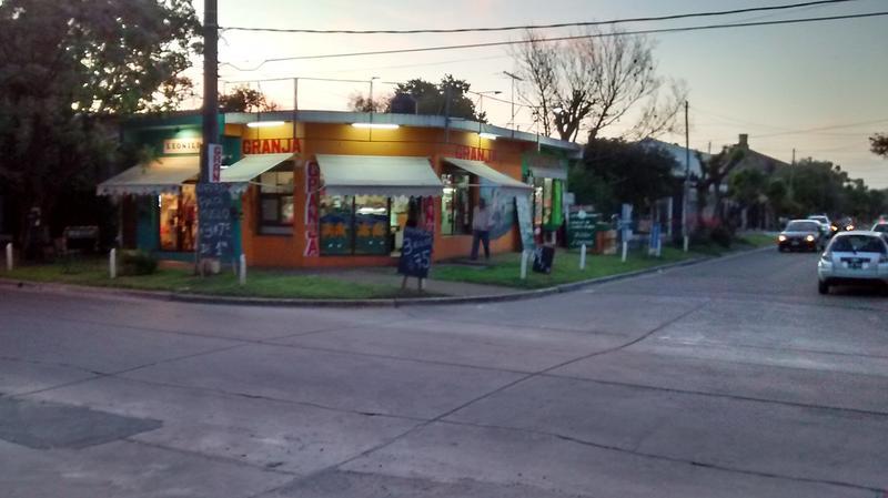 Foto Local en Alquiler en  San Miguel ,  G.B.A. Zona Norte  Pardo al 400