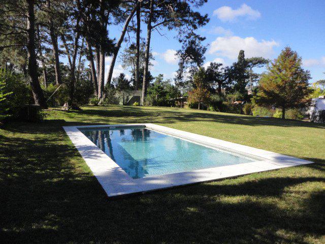 Foto Casa en Venta en  Cantegril,  Punta del Este  Espectacular Casa Tradicion Ubicada en Pleno Corazón de Cantegril rodeada de un Hermoso Entorno